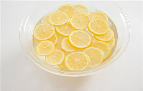 爱美:柠檬美白方法小技巧,柠檬美白的正确方法,柠檬美白的方法有哪些