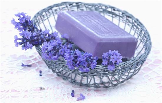 精油皂孕妇可以用吗 孕妇不能乱用含精油的产品