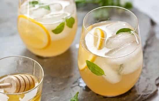 蜂蜜柠檬水的功效 妙用柠檬蜂蜜水