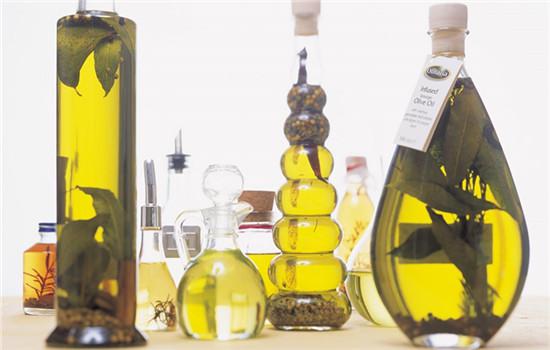 橄榄油能当身体乳吗 橄榄油也可以润肤保湿