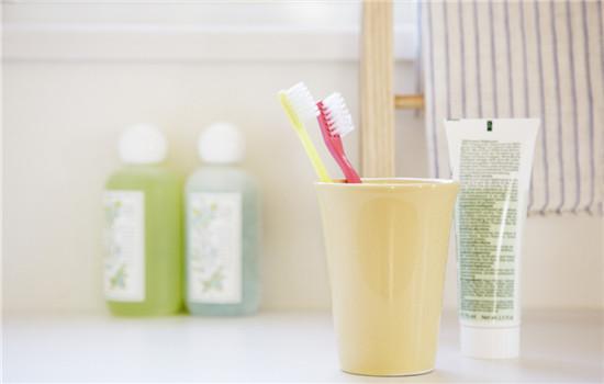 氨基酸洗面奶怎么分辨 教你简单鉴别氨基酸洗面奶