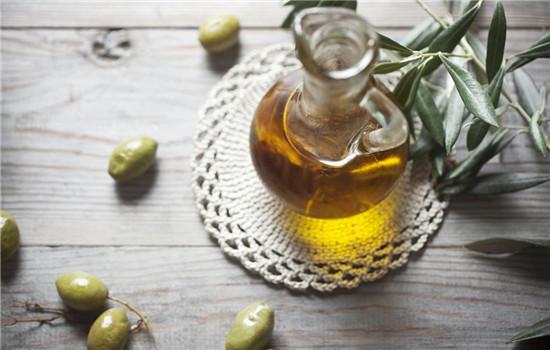 橄榄油擦脸了要洗不 橄榄油擦脸不要洗掉
