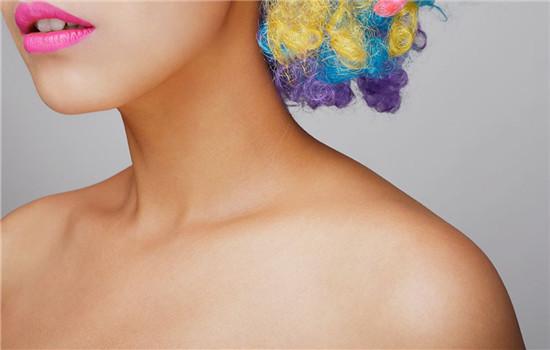 脖子皮肤干燥怎么办,脖子皮肤干燥怎么治疗,颈部