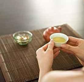 喝茶治痛风 夏季好诱发痛风喝茶有效果吗