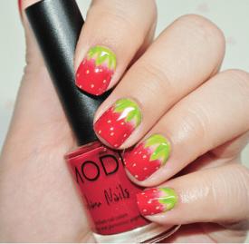 草莓美甲教程图解 夏日甜心草莓美甲