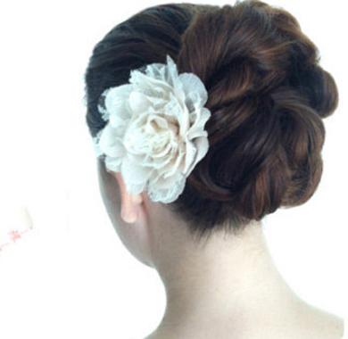 简单新娘发型步骤图解 七步完成典雅气质新娘盘发4588-短直发发型新图片