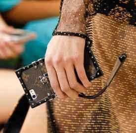 路易威登Louis Vuitton手机壳席卷时尚圈