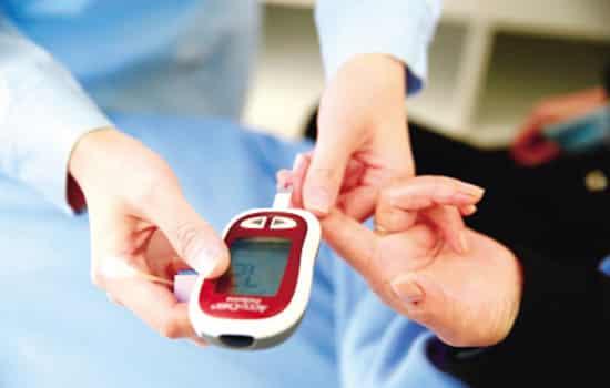 糖尿病一天测几次血糖,糖尿病每天测几次血糖,糖尿病人一天查几次血糖