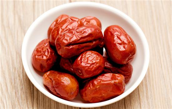 补血的食物有哪些_红枣怎么吃最好 红枣的4个吃法最补血
