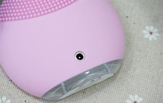 露娜洗脸仪第一次充电要多久 新产品充电有讲究