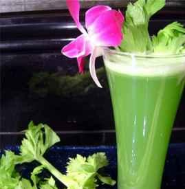 芹菜汁生喝还是熟喝 根据自己的口味来选择