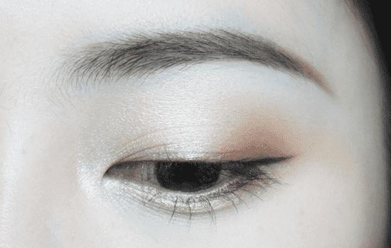 香槟色眼影画法,香槟色眼妆