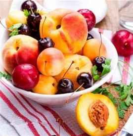 排毒吃什么水果好 推荐适合女性排毒养颜的水果和沙拉