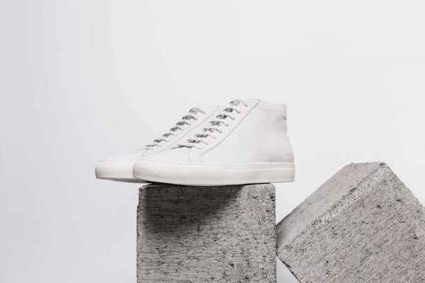 Common Projects 给你称霸街头的完美白鞋