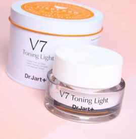 v7素颜霜使用方法 一款早晚都可用的美白面霜