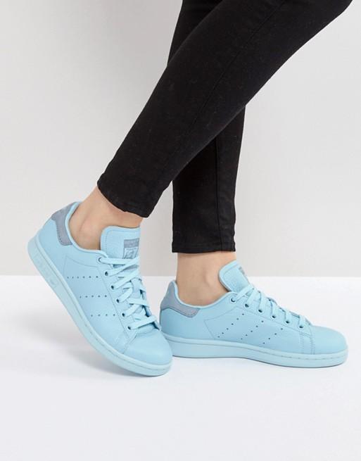 adidas为经典鞋款Stan Smith推出Icy Blue新色