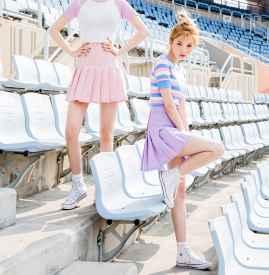 彩色条纹T恤搭配图片 青春少女范儿