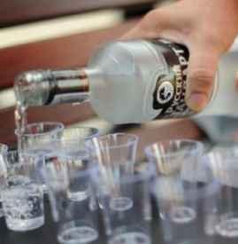 输液后几天可以喝酒 输液头孢一周内最好忌酒