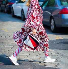 秋天穿裙子腿冷怎么办 4个方法让你保暖又时髦