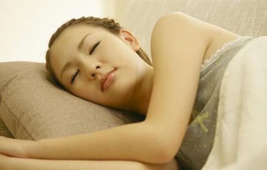 第一次和男朋友一起睡什么感觉 网友回答千姿百态