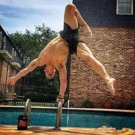 男人无器械健身运动 教你进行无器械健身