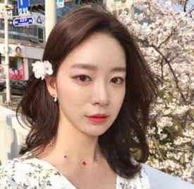 没有刘海的女生发型 清爽露额更气质