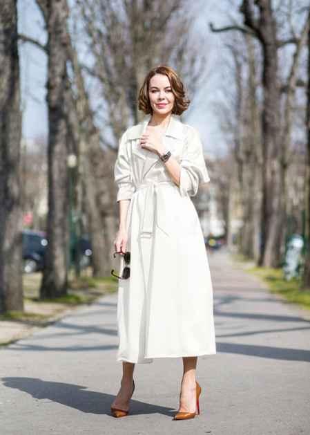 白色风衣搭配图片_白色长风衣最佳搭配图