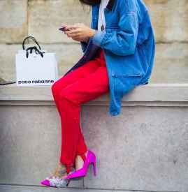 蓝色衣服配什么颜色裤子 任意风格随意切换