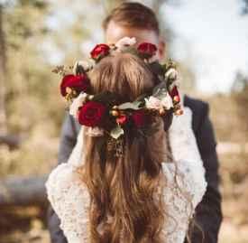 用这些绝美花环代替传统婚纱头饰