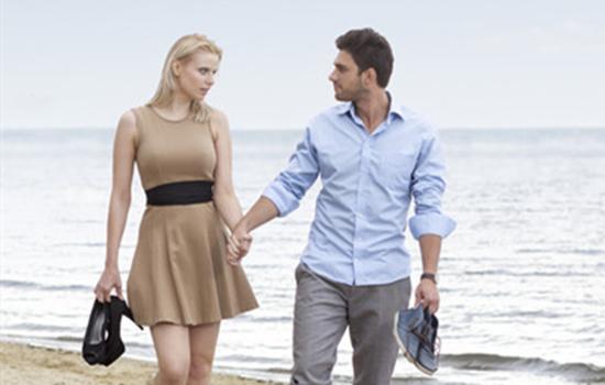 新婚夫妻异地怎么办 两地分居也能拉近距离