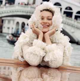 Bella Hadid 登《Elle 》封面
