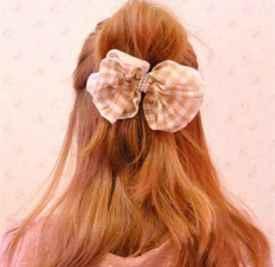 长头发怎么梳半丸子头 只需五步即可
