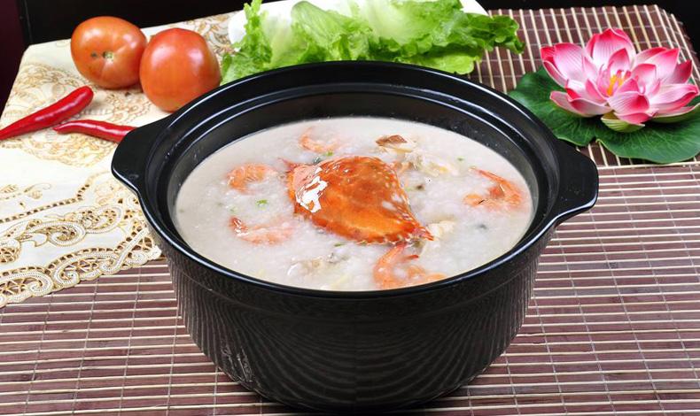 天冷了,来一碗鲜美的螃蟹粥