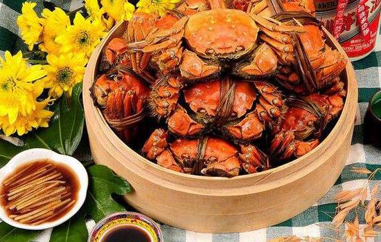 螃蟹和鸡蛋能一起吃吗 螃蟹+熟鸡蛋=吃砒霜?