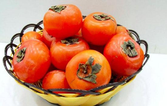 【柿子皮的功效与作用】柿子皮有毒吗 什么食物不能带皮吃