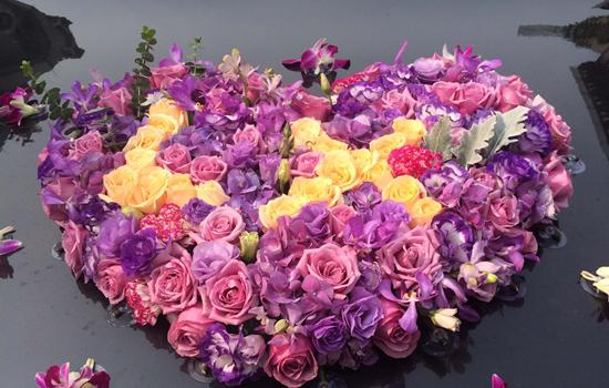 [接到手捧花该说些什么]接到手捧花后怎么处理 手捧花这样保存很有意义
