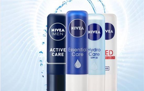 妮维雅润唇膏哪种好 NIVEA各大系列润唇膏功效使用心得