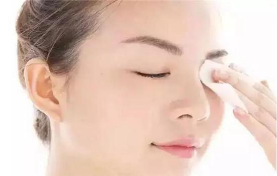 卸妆油对皮肤有伤害吗 天天用也没关系