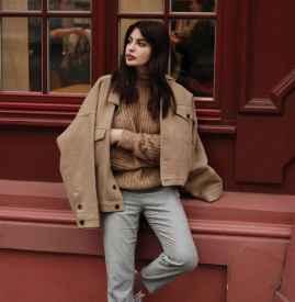 驼色毛衣怎么搭配 打造温柔气质美