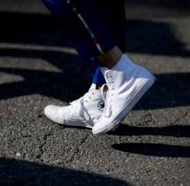冬天帆布鞋怎么搭配  打造年轻休闲范儿