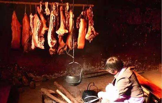 老干妈厂房失火 老烟熏干妈腊肉的做法