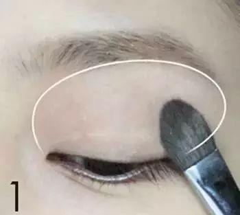 皮肤黑怎样化妆显白 11步教你完成显白妆容