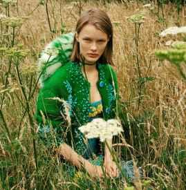 新生代名模出镜中国版《Vogue》十一月号大片
