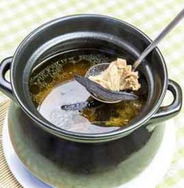 产后喝鸡汤好吗 产后第一餐不能喝鸡汤