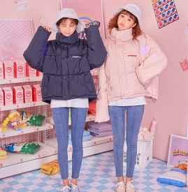 韩版羽绒服女款图片 冬天也能亚虎娱乐PT老虎机度满分