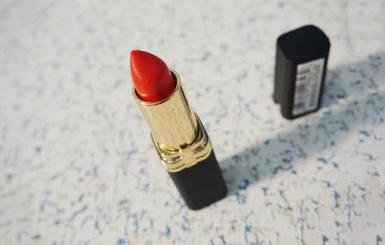 欧莱雅口红c401试色 元气十足珊瑚红