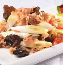 炒羊肉卷的家常做法 羊肉卷不只是拿来涮火锅的