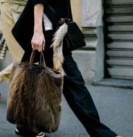 皮草包包 冬日里凹造型的首选搭配