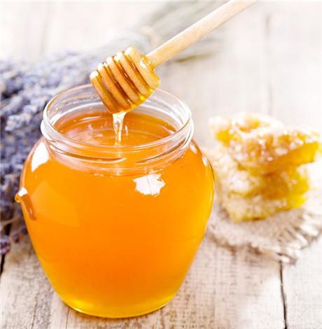冬天女人喝什么蜂蜜好 冬天女人喝蜂蜜有什么好处