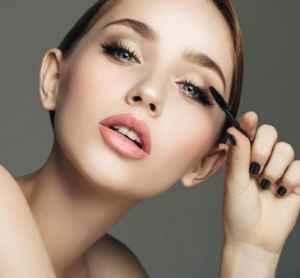 怎么样能不晕妆   学着这些化妆步骤保证你一整天都不晕妆